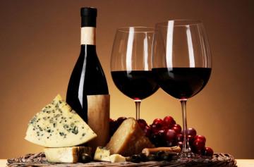Министр сельского хозяйства призвал снять ограничения на телевизионную рекламу вина